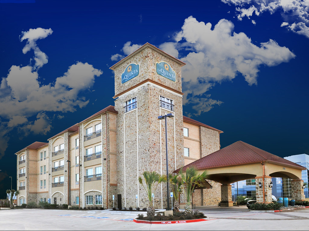 Hotels Close To Six Flags Dallas