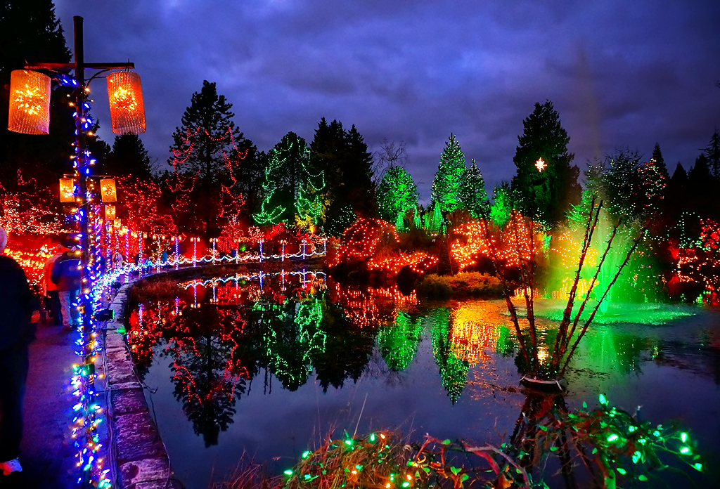 Happy Holidays Vandusen Botanical Garden At Night Flickr