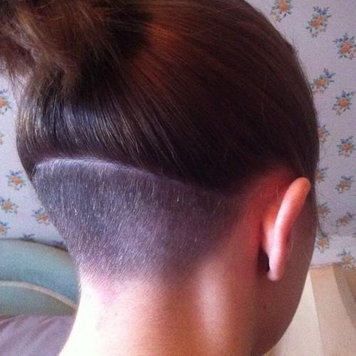 Как сбрить волосы на