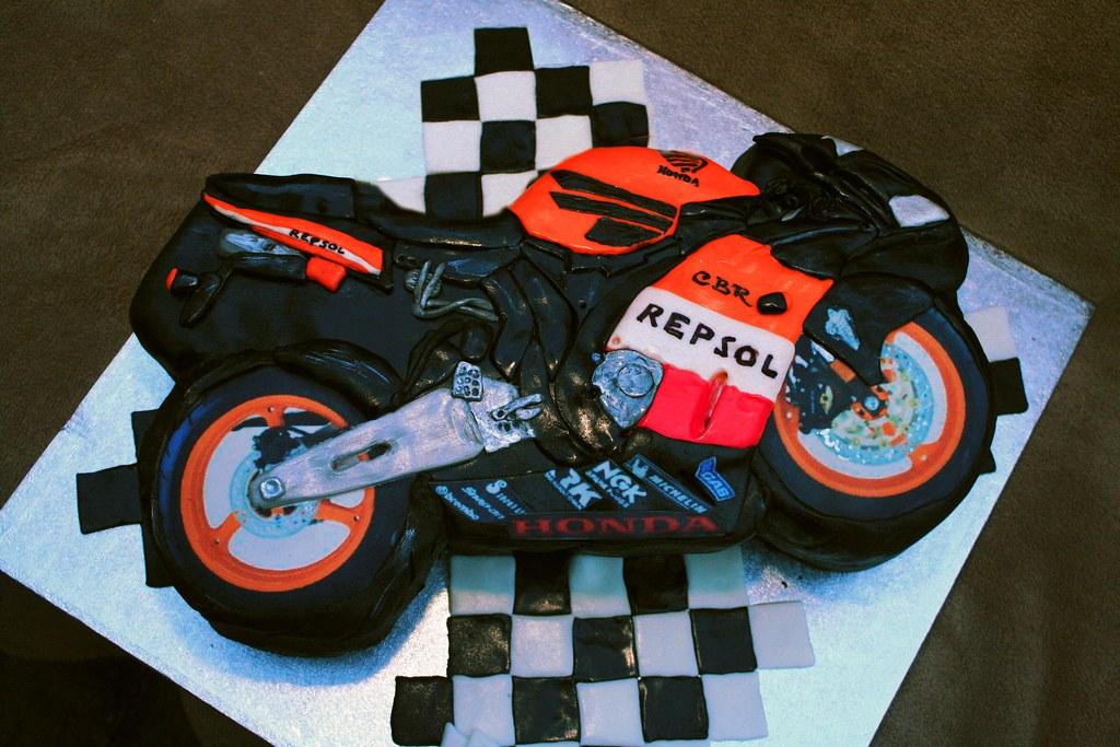 How To Make A Motorbike Cake