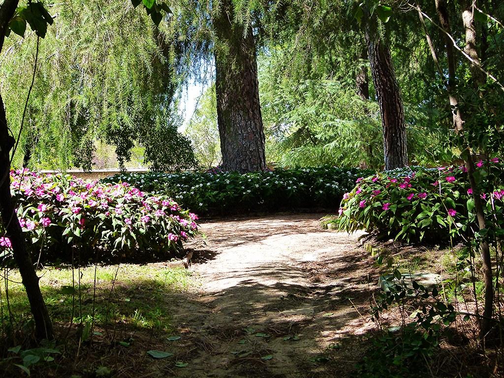 El capricho un jard n paisajista en madrid en la zona for Jardines el capricho