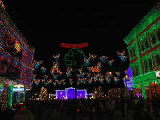 The Osborne Family Spectacle of Dancing Lights | by monUnique