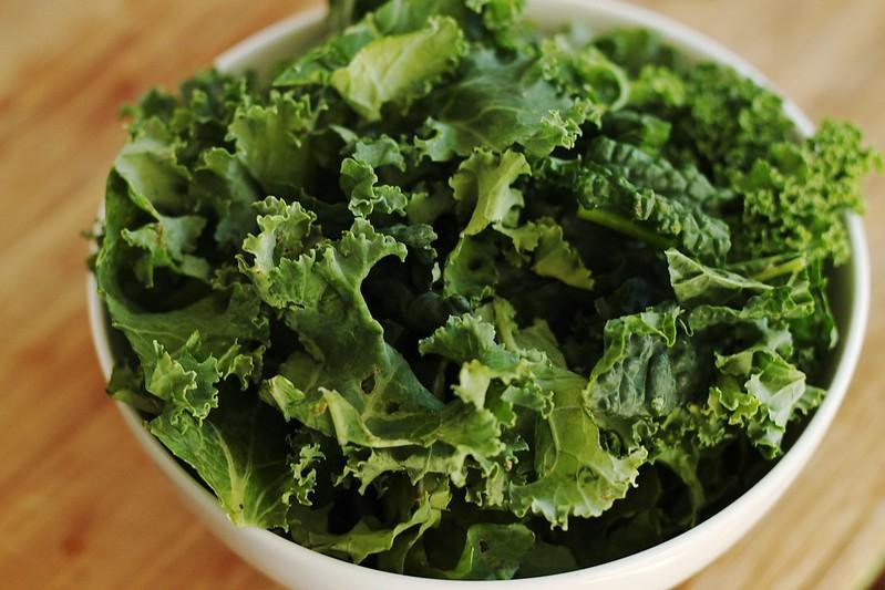 bahaya dan efek negatif daun kale