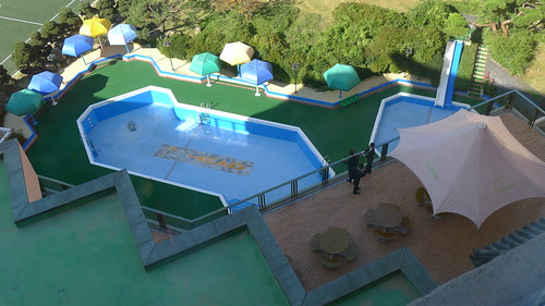 Kolon hotel swimming pool balcony suspicious kids flickr - Hotel with swimming pool on balcony ...