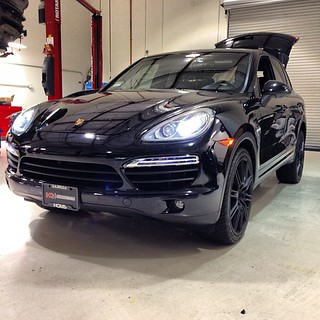 This Porsche Cayenne is ready for some lowering using the