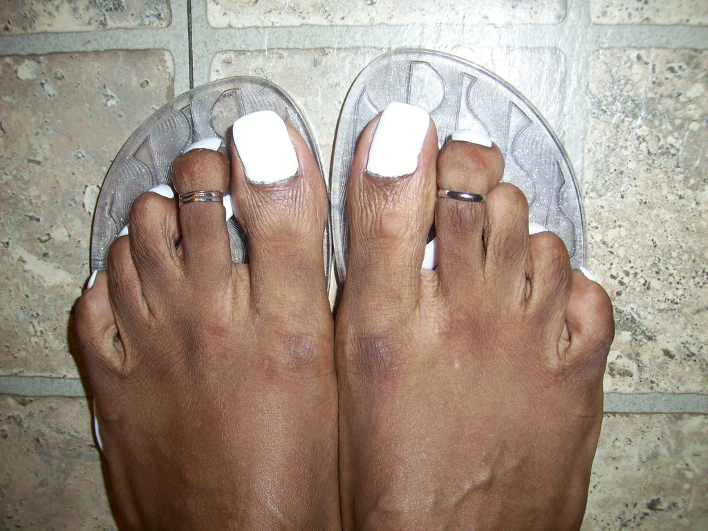 White nail polish and cute toe rings | hyellow | Flickr