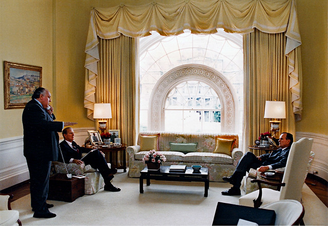 roger ailes and james baker in the private residence of the white house with president bush. Black Bedroom Furniture Sets. Home Design Ideas