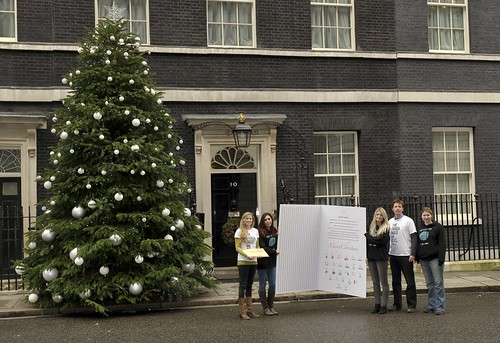 WWF and major charities deliver a Christmas message for David Cameron | by The Climate Coalition (UK)