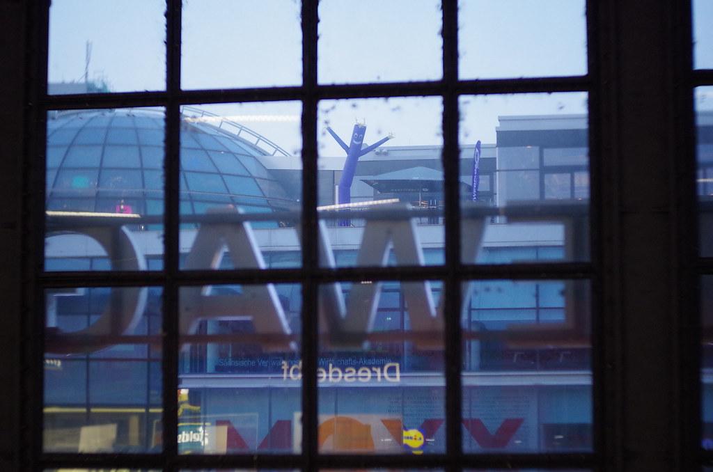 Blick aus dem Hauptbahnhof Dresden