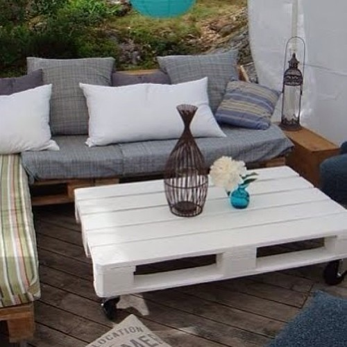 Otro palet reciclado y ahora mesa baja para jard n es f c for Mesa baja jardin