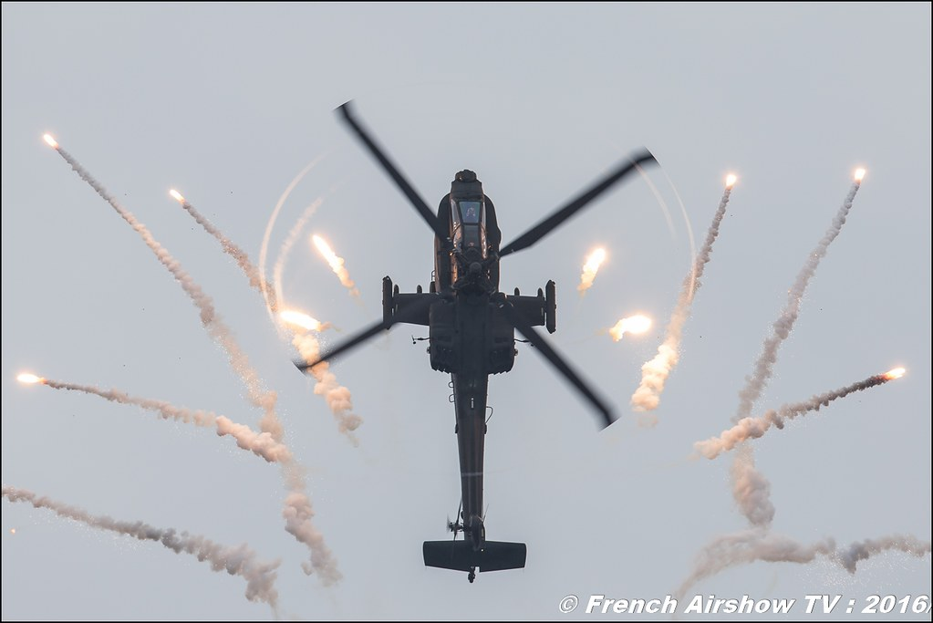 Apache Solo Display Team Royal Netherlands Air Force 2016 , 301 Squadron of the Defence Helicopter , AH-64D Apache NL ,Belgian Air Force Days 2016 , BAF DAYS 2016 , Belgian Defence , Florennes Air Base , Canon lens , airshow 2016