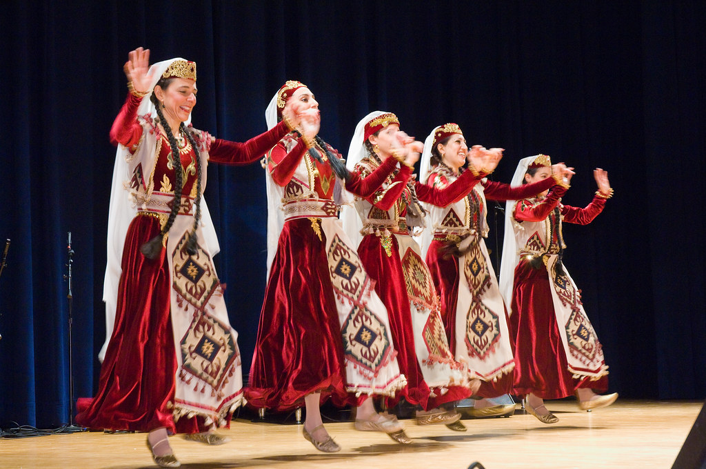 Arax Armenian Dance Ensemble | The Arax Armenian Dance ... Узундара