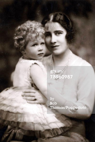 pregnant queen Elizabeth I of ireland and england Prince C ...  pregnant queen ...