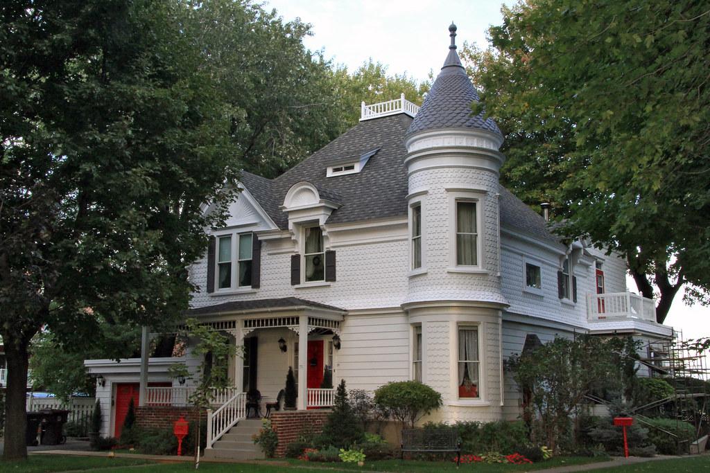 Maison victorien roy 12560 rue notre dame est pointe au for 82 rue brule maison lille