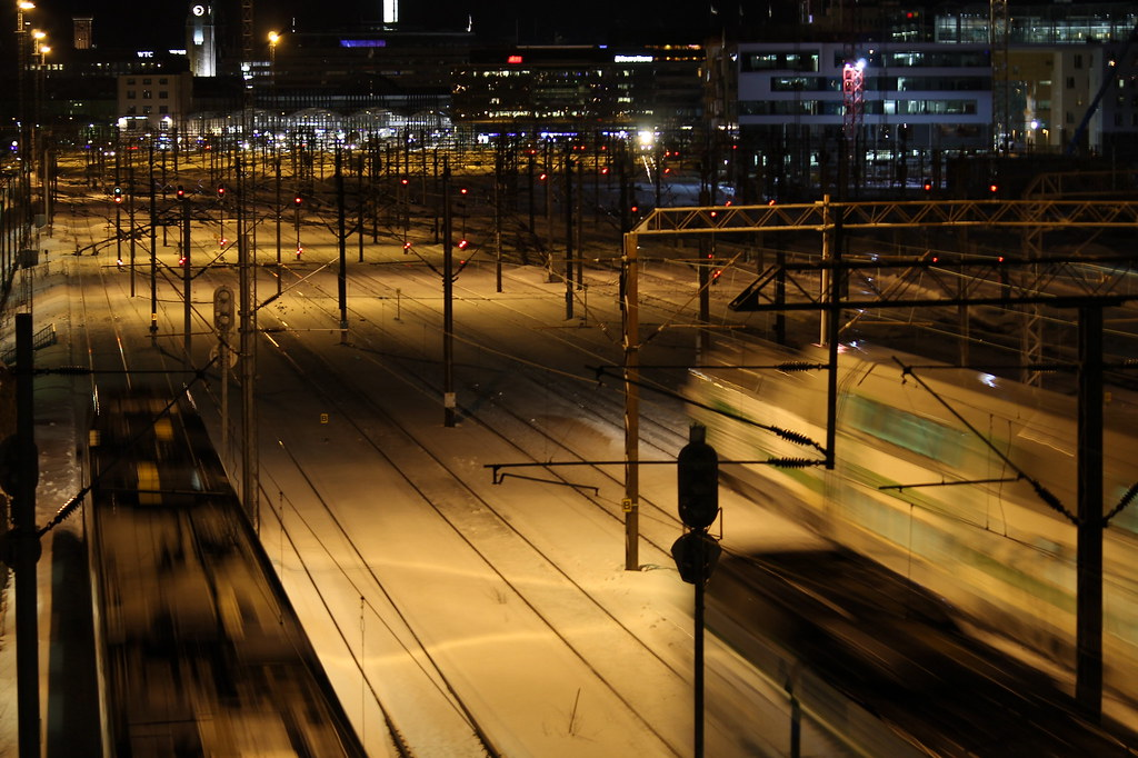 Trains crossing in the night | by Fintrvlr