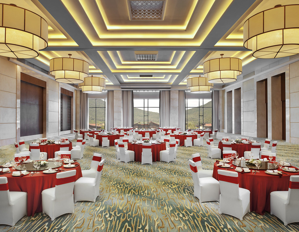 The St Regis Sanya Yalong Bay Resort Ballroom Round Tab
