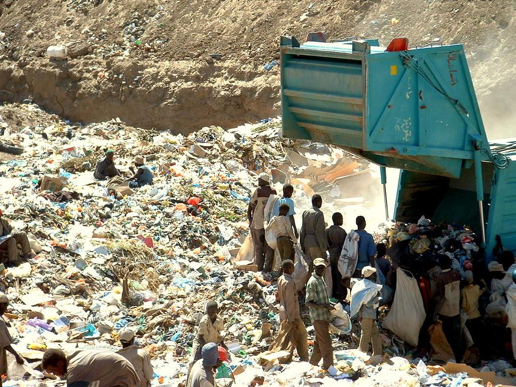 Landfill Site In Khartoum Sudan Waste Pickers At The