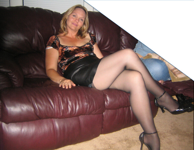 Nice thick milf in shorts