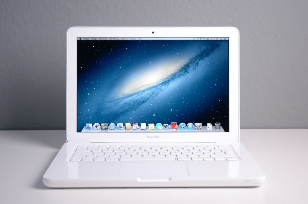 Macbook Unibody White Mid 2010 13 Inch Display 2 4 Ghz