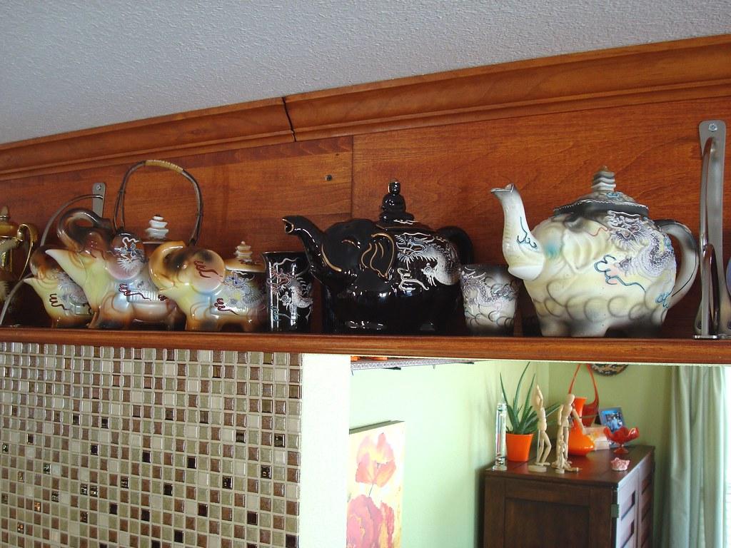 Dragonware elephant teapots these mid century teapots all flickr - Elephant shaped teapot ...