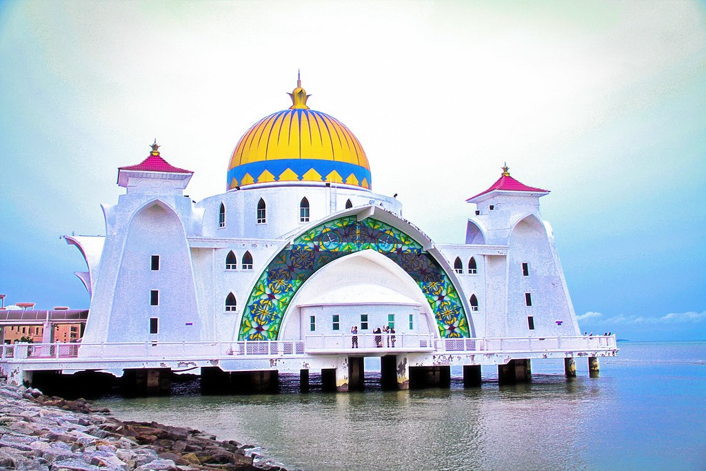 Masjid Selat Melaka/Malacca Straits Mosque | The Malacca ... Beautiful Masjid On Water