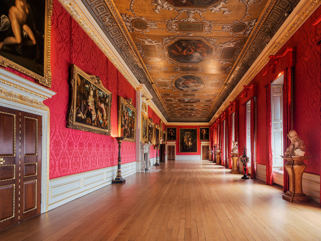 London the kings gallery a series of paintings and Kensington palace state rooms