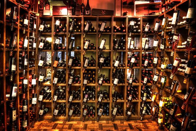 Cava de vinos climatizada flickr photo sharing - Cavas de vinos para casa ...