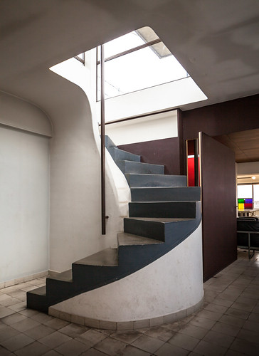 Appartement atelier de le corbusier architect le for Corbusier sessel 00 schneider