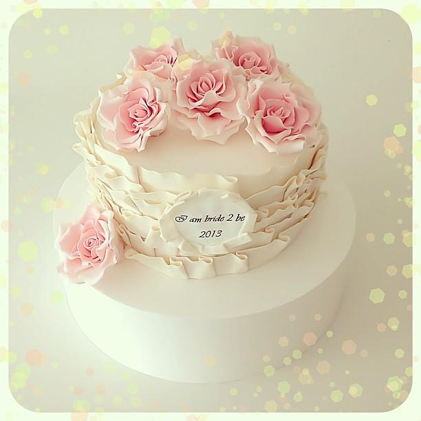 burcinbirdane bridalshower bridalshowercake sugarart pinkrose
