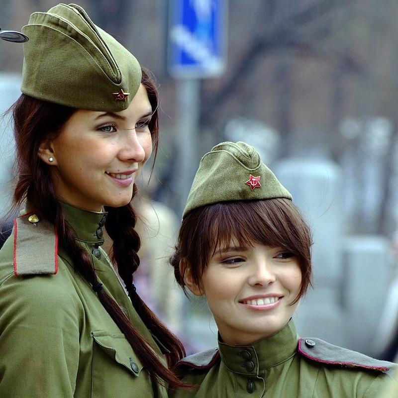 Девушки в пилотках фото 14259 фотография