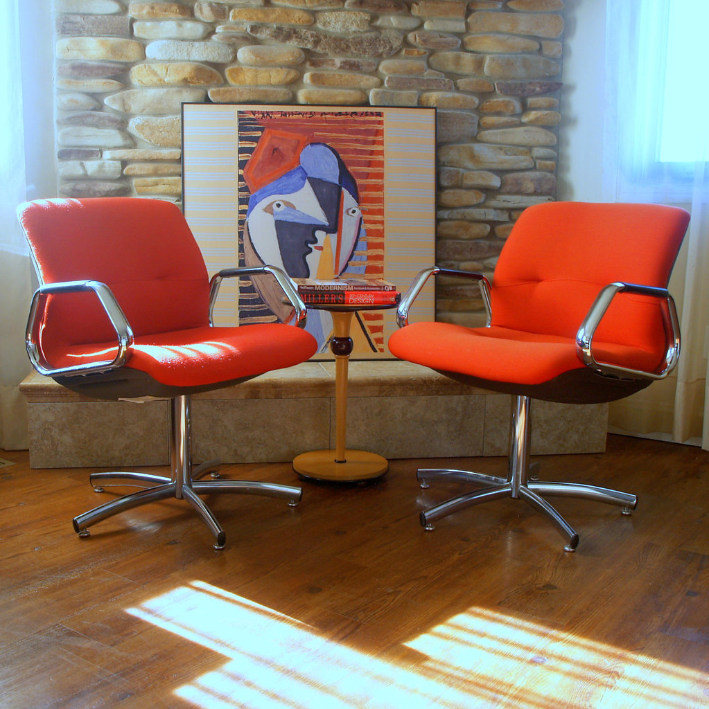 Charles Pollock Style Steelcase Chairs Vintage Modern Offi