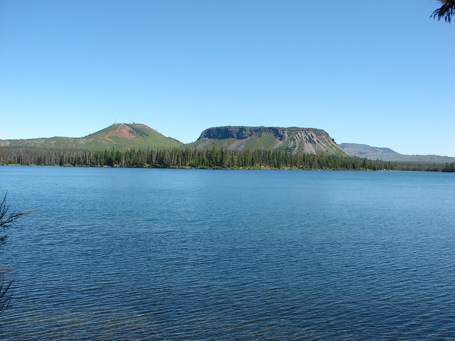 Hoodoo and Hayrick Buttes from Big Lake