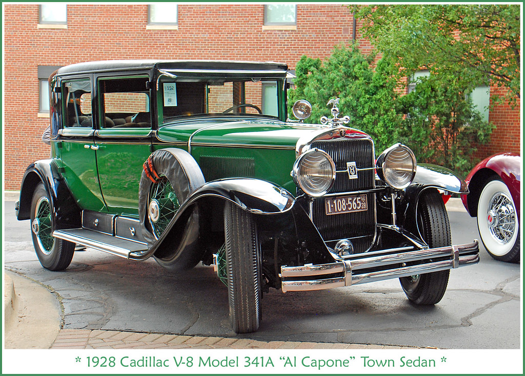 "Très 1928 Cadillac ""Al Capone"" Town Sedan 