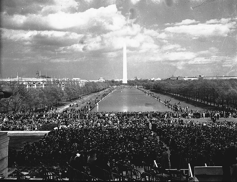 What Is In Spark >> Marian Anderson Sings at Lincoln Memorial: 1939 # 3   Flickr