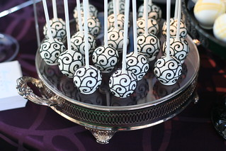 Swirled Black and White Cake Pops | by Sweet Lauren Cakes
