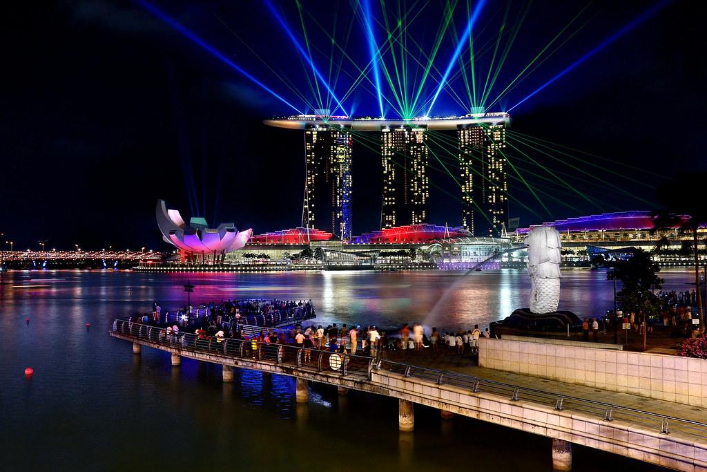 laser light show at the marina bay sands photowalking siev flickr