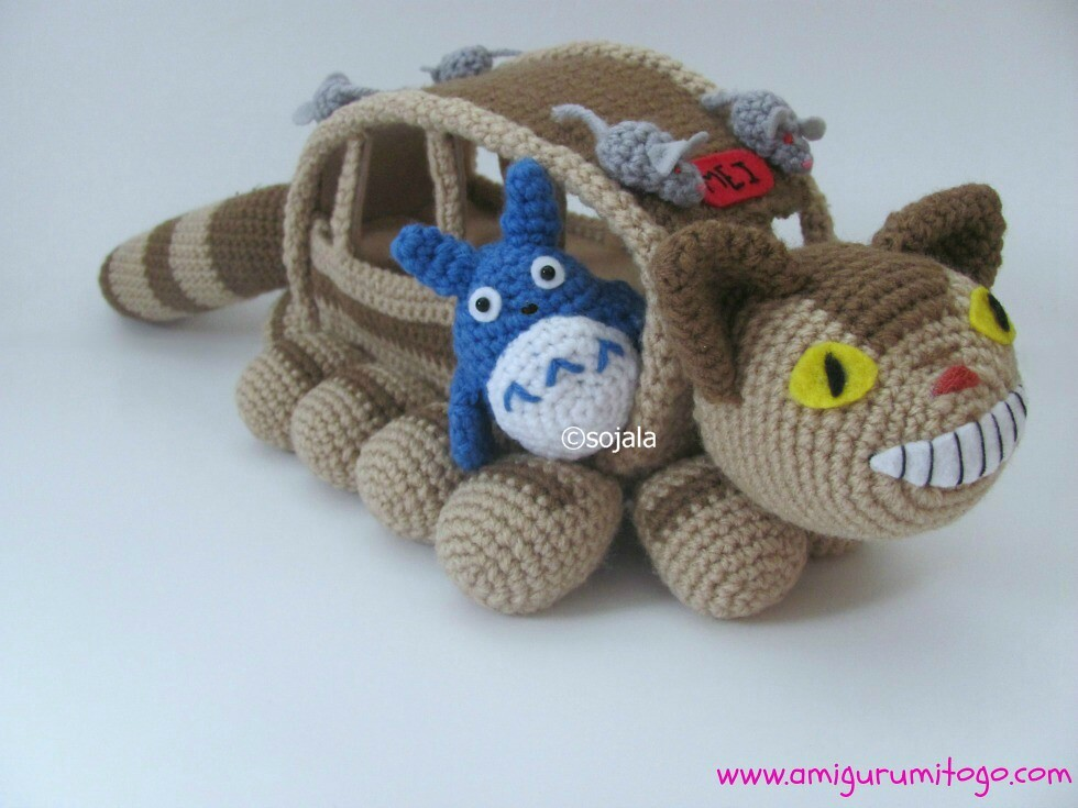 Free Amigurumi Wedding Couple Pattern : Amigurumi Totoro & Cat Bus Cat Bus free pattern with ...