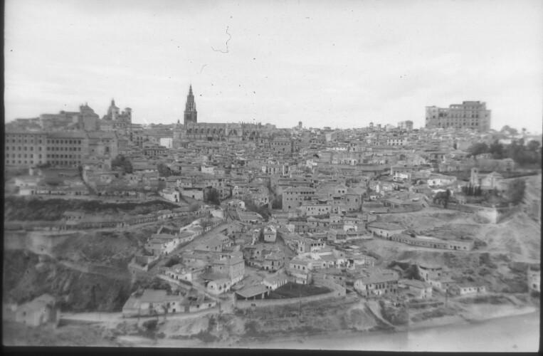 Toledo en 1959. Fotografía de Santos Yubero © Archivo Regional de la Comunidad de Madrid, fondo fotográfico