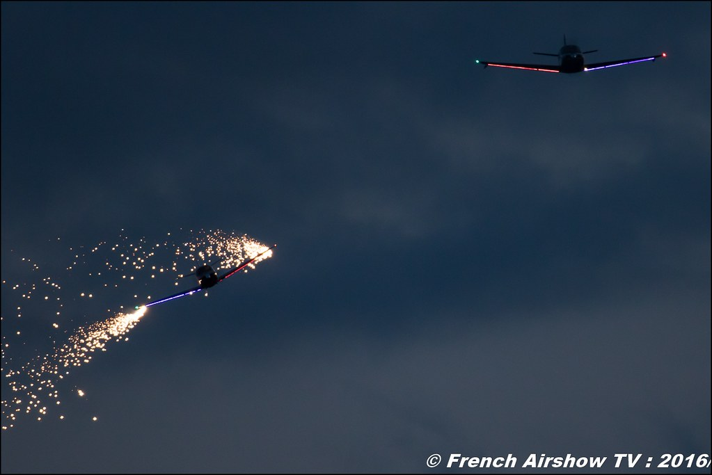 Sunset , Night Airshow , Patrouille swift , Team swift , Globe Swift CG-1B , Bell & Ross , Magnomeca , 22 ème meeting aérien international de Roanne , Meeting Aerien Roanne 2016, Meeting Aerien Roanne , ICAR Manifestations , meeting aerien roanne 2016 , Meeting Aerien 2016 , Canon Reflex , EOS System