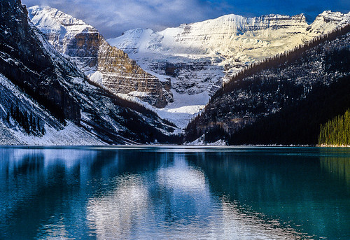 WINTER SUNRISE: LAKE LOUISE, BANFF NATIONAL PARK, CANADIAN ...