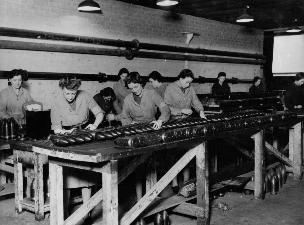 Inspecting gun shells female munitions workers inspecting flickr inspecting gun shells by tyne wear archives museums gumiabroncs Gallery