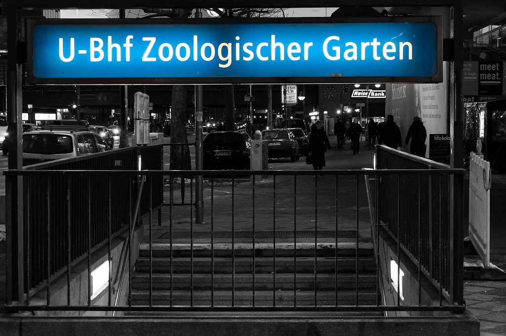 u bahnhof zoologischer garten stanice zoo vstup do men flickr. Black Bedroom Furniture Sets. Home Design Ideas