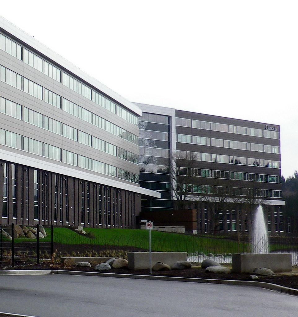 Sry13b31 rcmp 39 e 39 division headquarters surrey bc flickr for Porte hq surrey