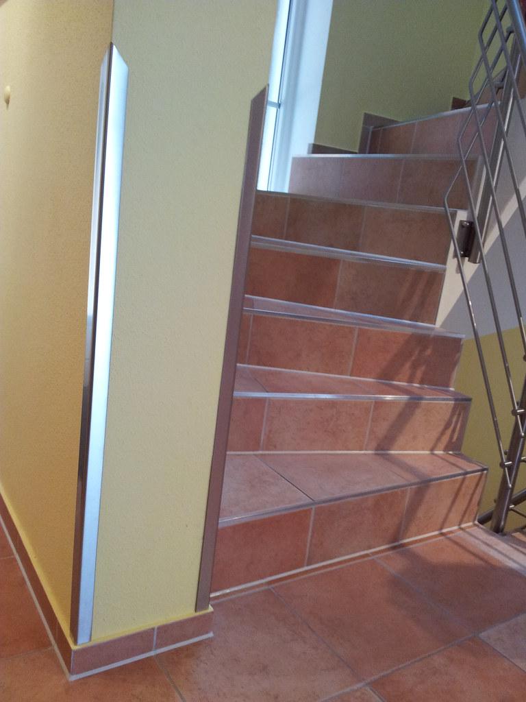 kantenschutz wandschutz eckschutz aus edelstahl. Black Bedroom Furniture Sets. Home Design Ideas
