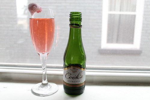 Valentine's Day recipe: cotton-candy champagne cocktail | by Célèste of Fashion is Evolution