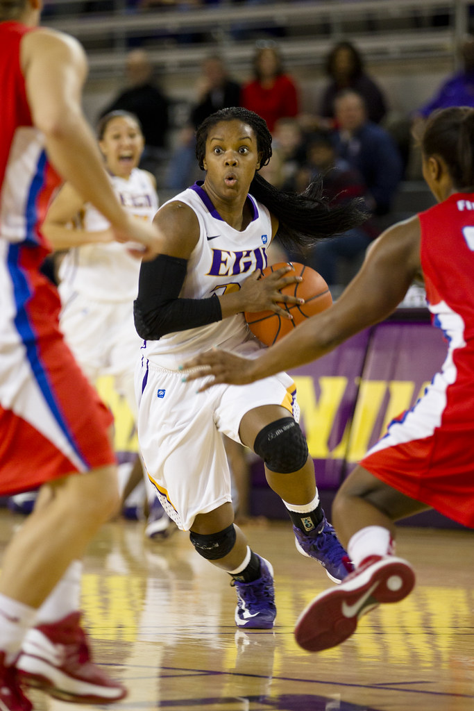Ecu Women 39 S Basketball 39 13 R24kberg Photos Flickr