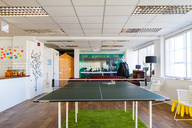 airbnb office london. Airbnb Office London F