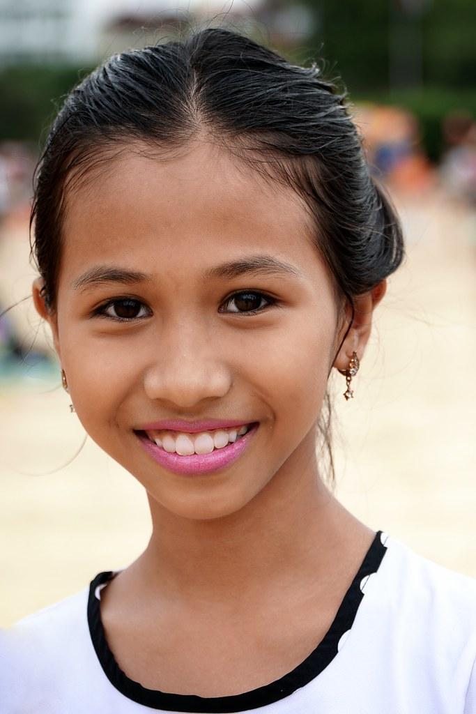girls Asian cambodian