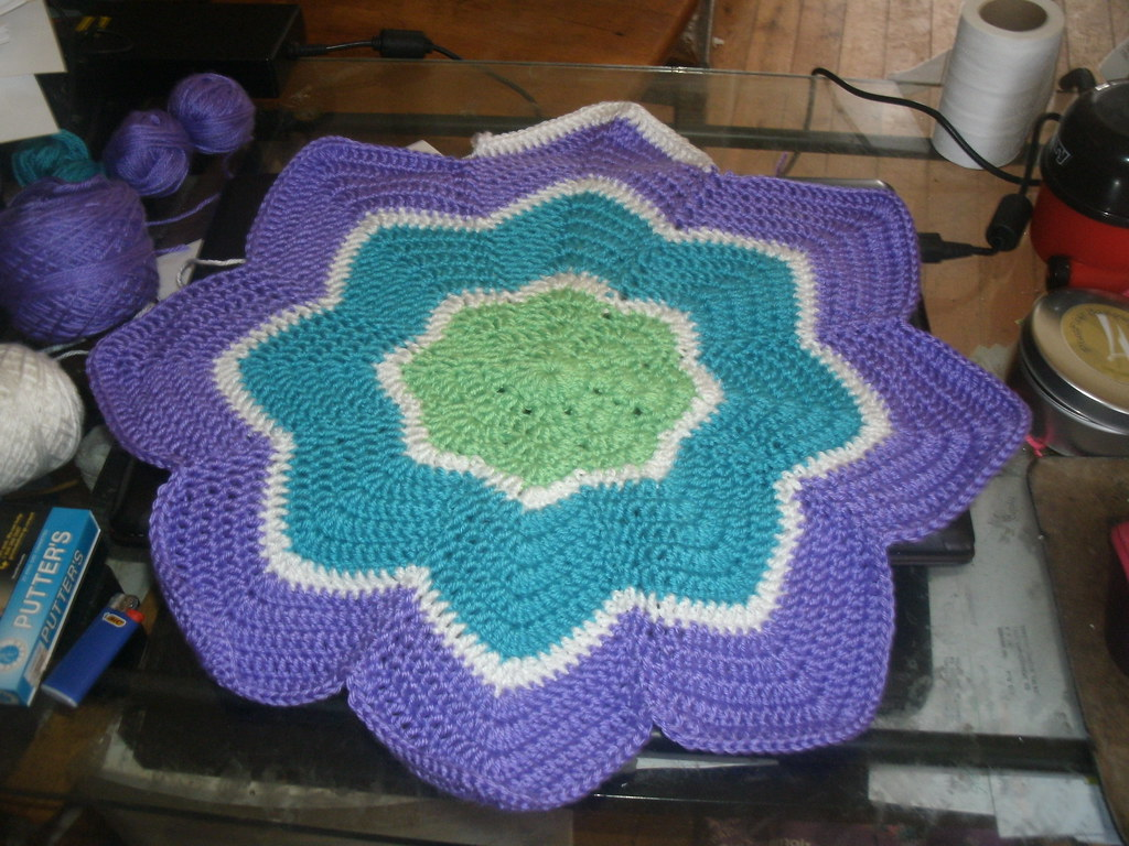 Round Ripple Afghan - 8 points | 8 ripple round pattern from… | Flickr