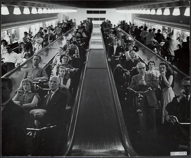 Maastunnel fiets trappen 1962